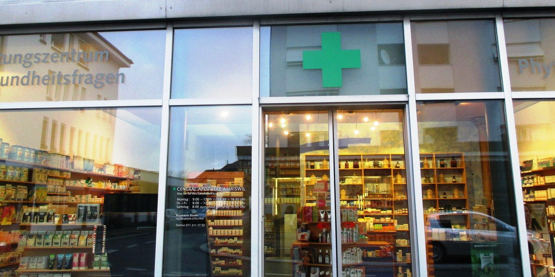 farmacia vetrina